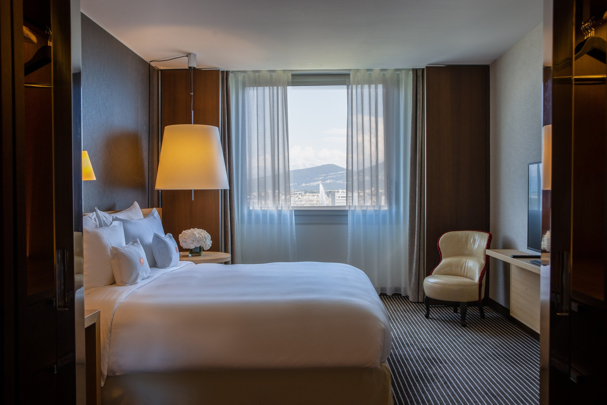 AS2I2993-PANORAMIC SUITEInterContinental-Geneva-Hotel-Suites-panoramic-suite-3