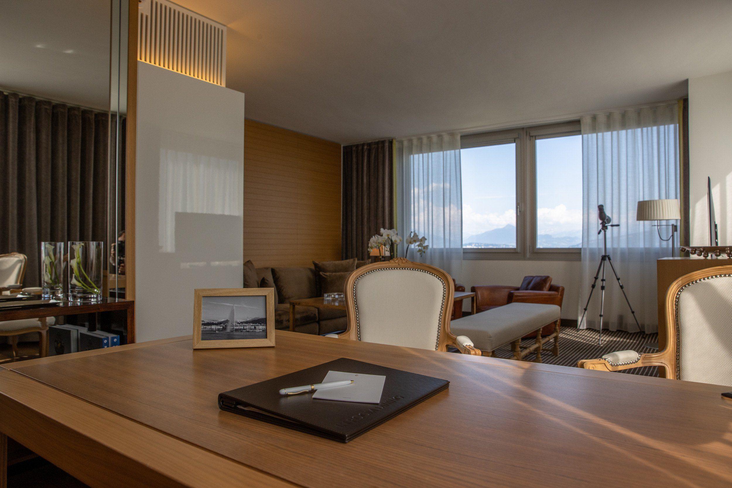 AS2I3015-PANORAMIC SUITEInterContinental-Geneva-Hotel-Suites-panoramic-suite-4