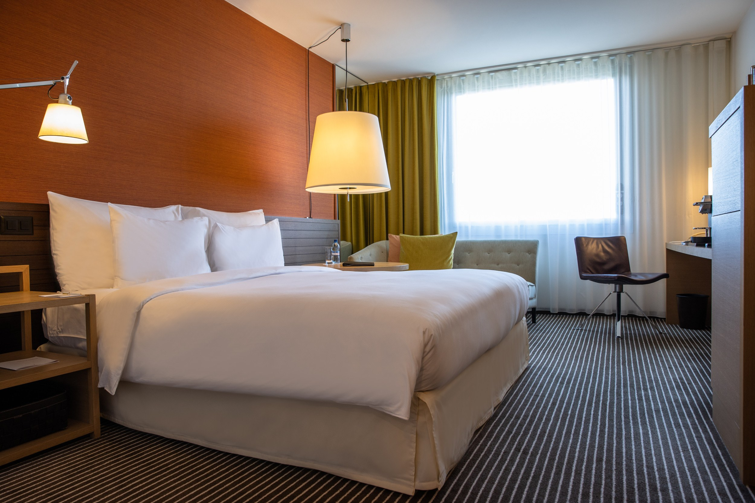 InterContinental-Geneva-Hotel-Deluxe-room-1