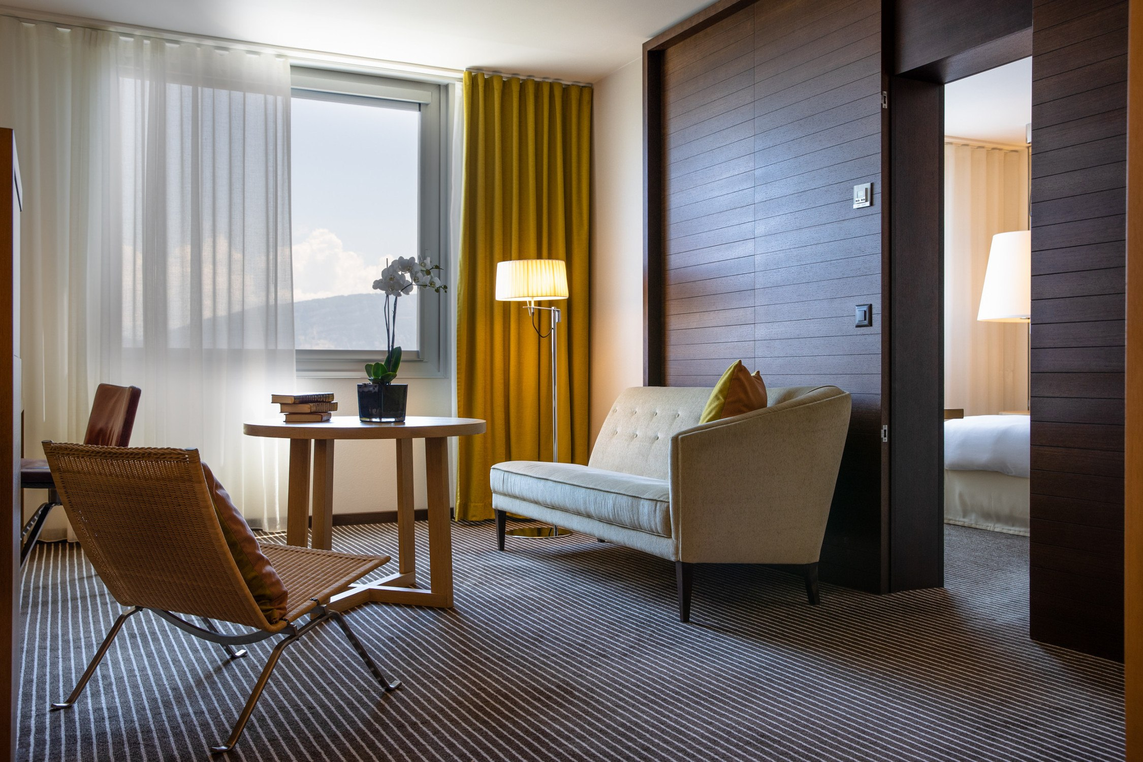 InterContinental-Geneva-Hotel-Deluxe-suite-1
