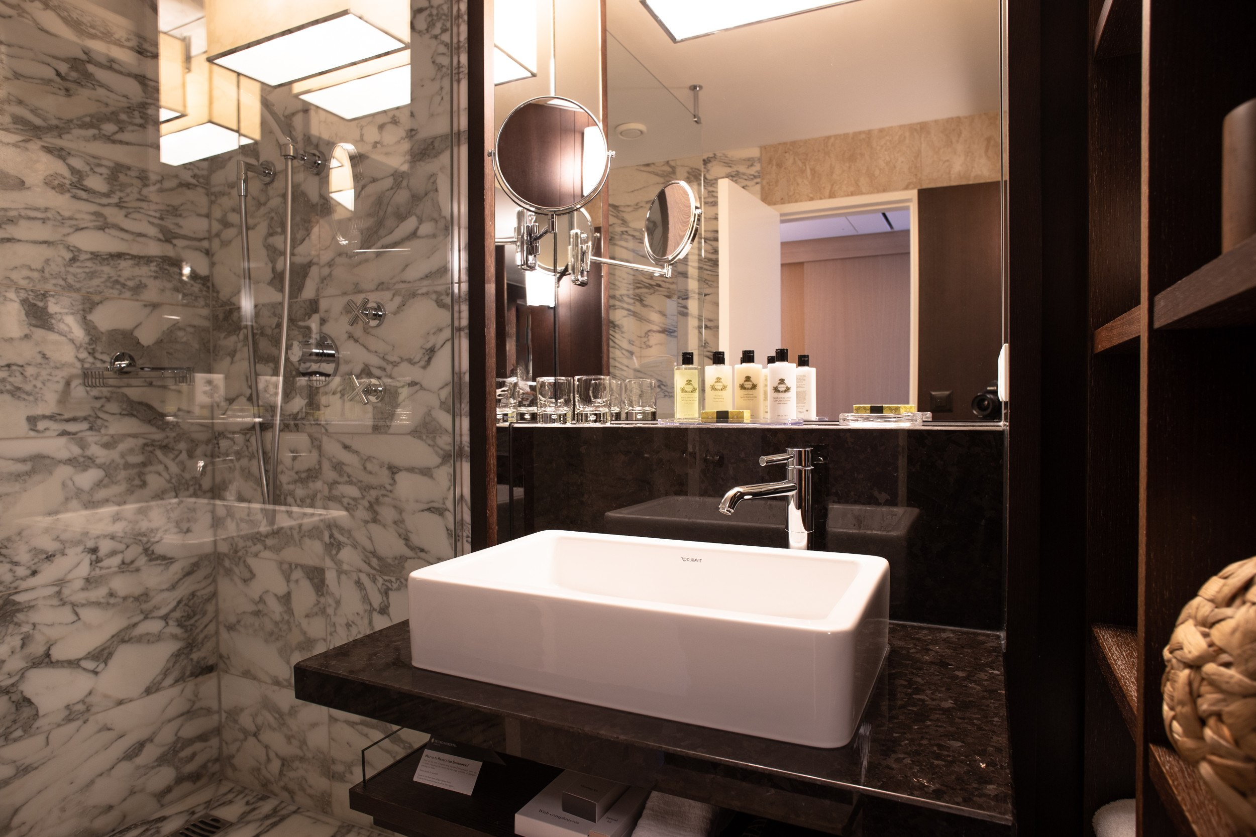 InterContinental-Geneva-Hotel-Deluxe-suite-3