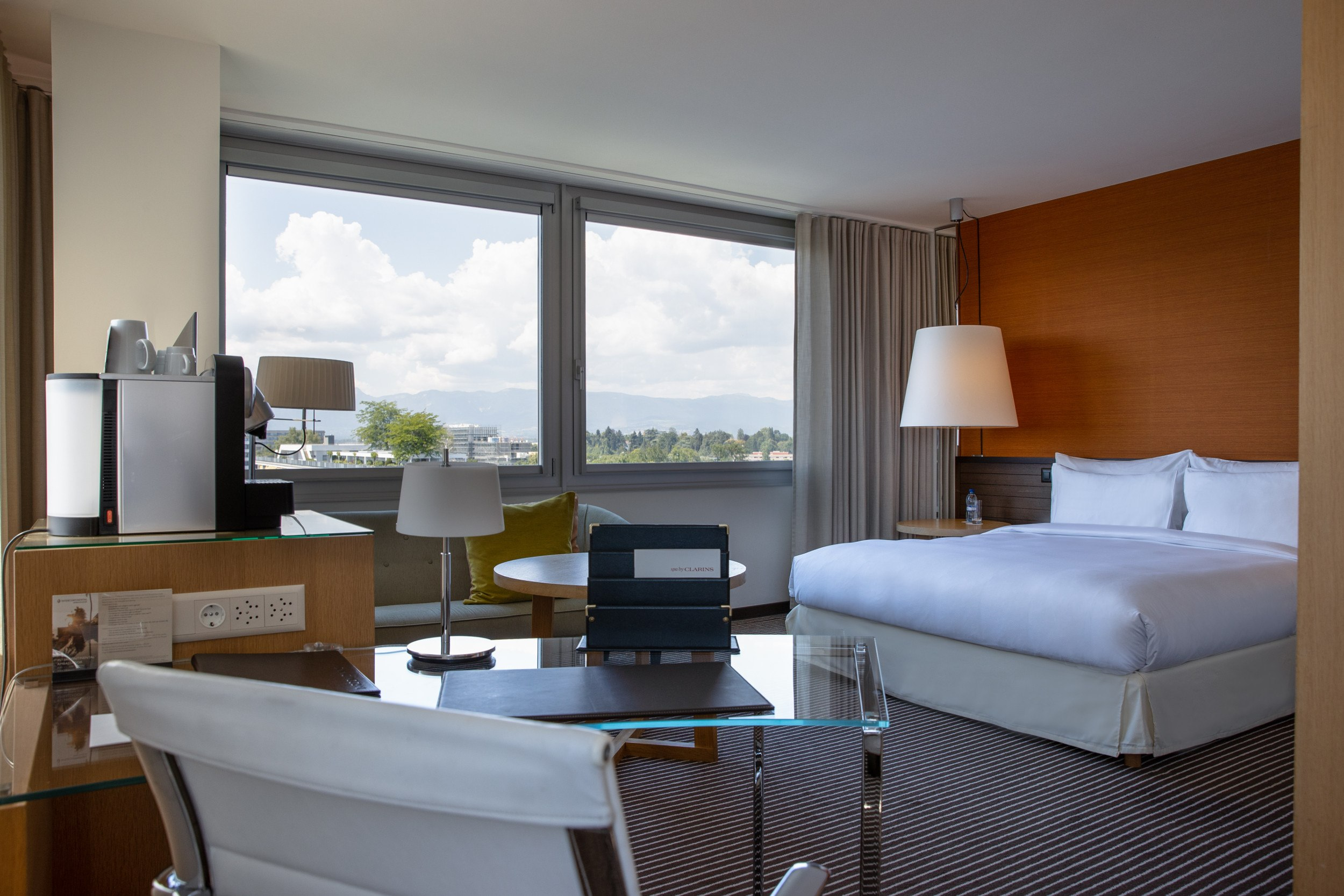 InterContinental-Geneva-Hotel-Executive-room-1