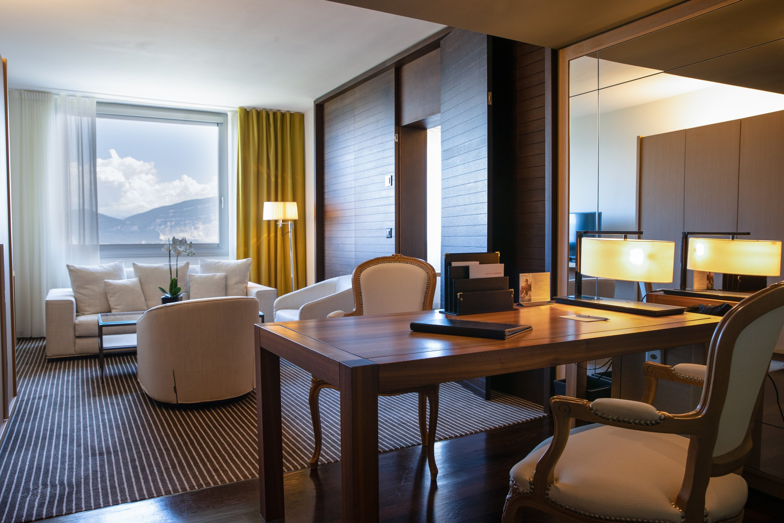 InterContinental-Geneva-Hotel-Executive-room-3