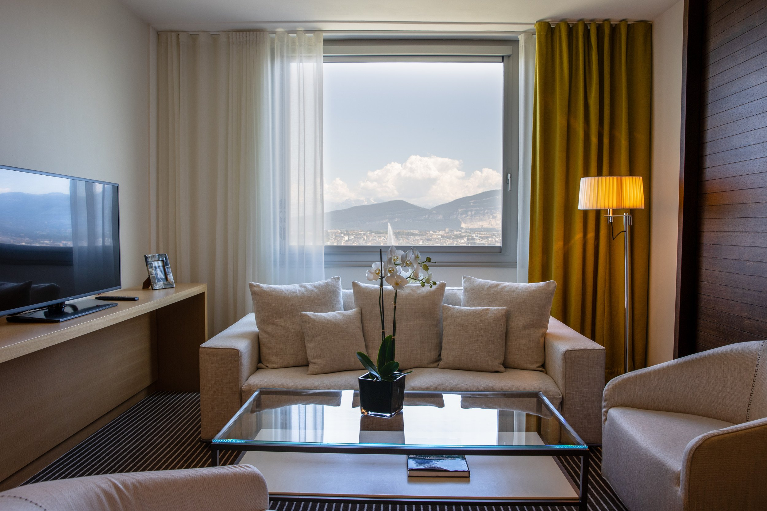 InterContinental-Geneva-Hotel-Executive-room-4