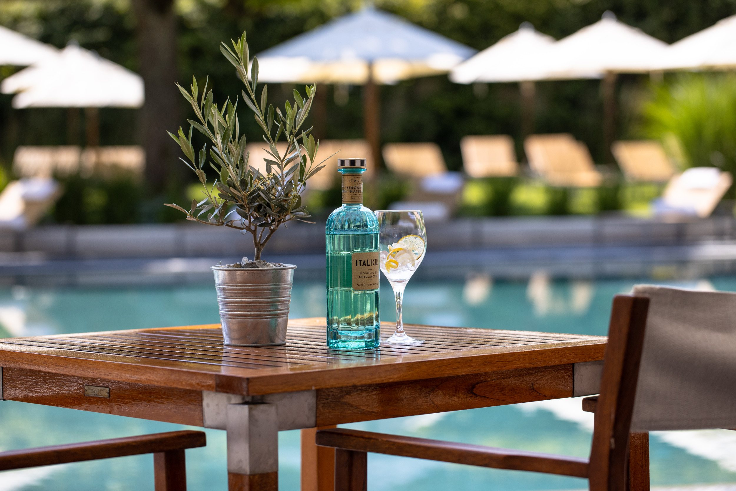 InterContinental-Geneva-Hotel-Poolside-restaurant-1