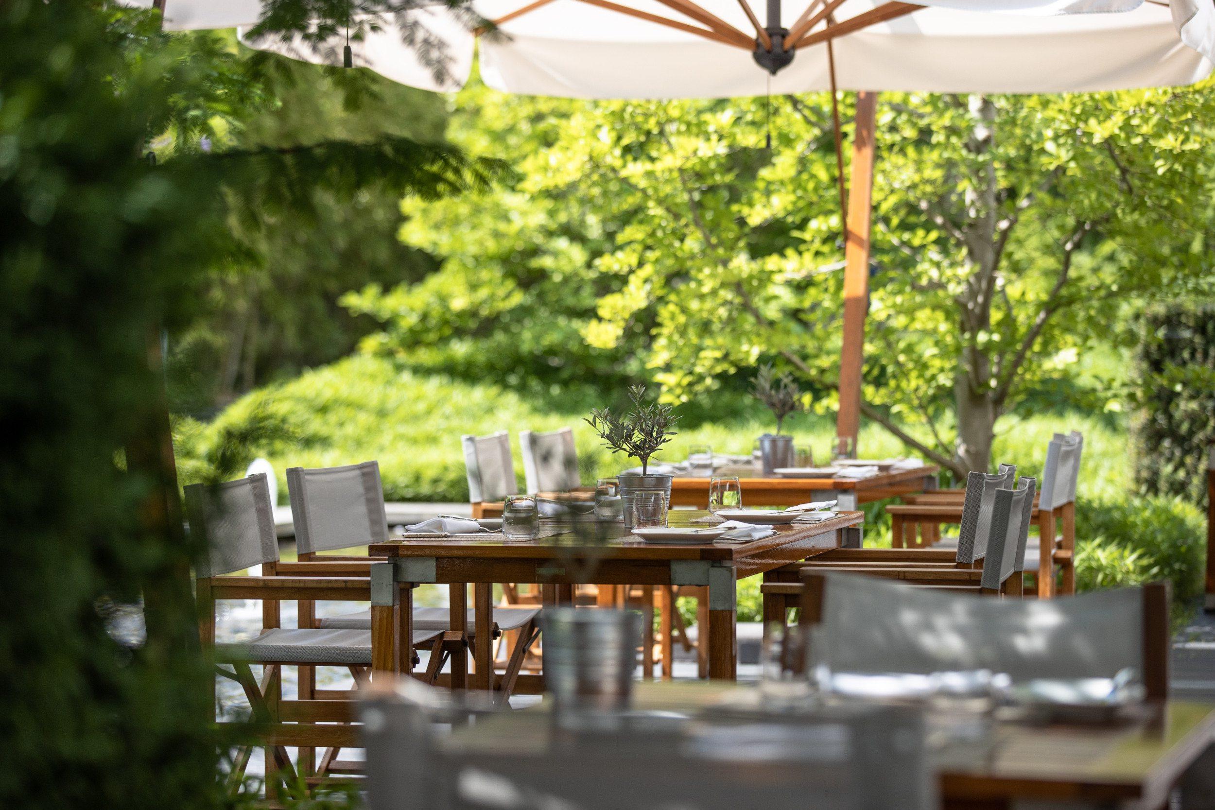 InterContinental-Geneva-Hotel-Wood-restaurant-3