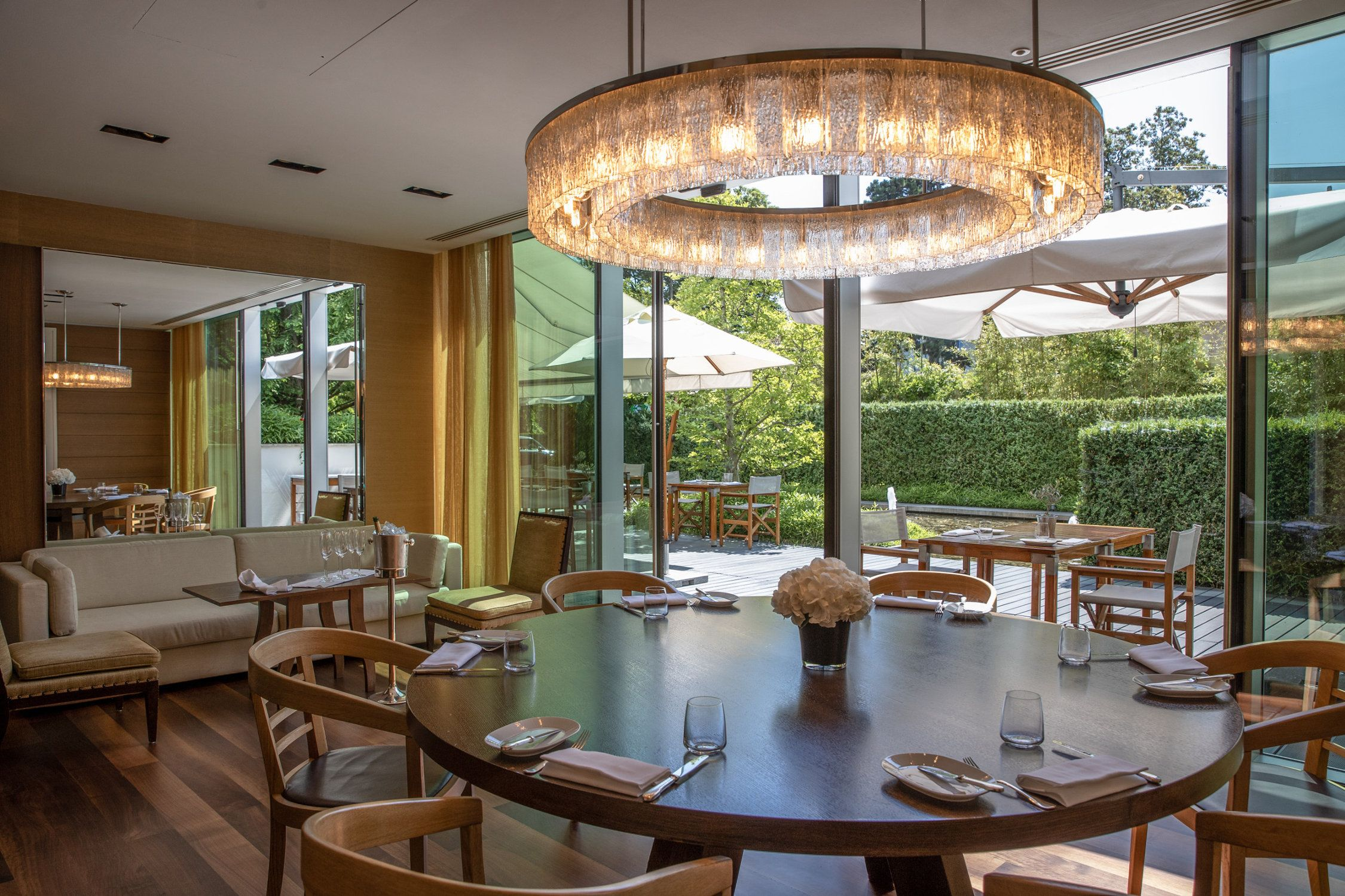 InterContinental-Geneva-Hotel-Wood-restaurant-5
