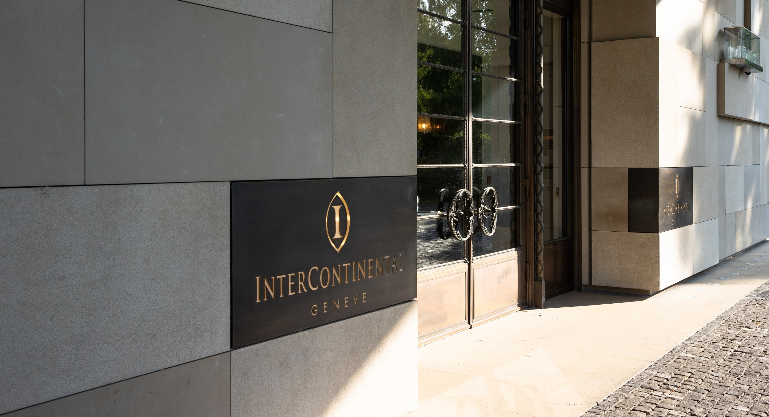 intercontinental-geneva-entrance-1