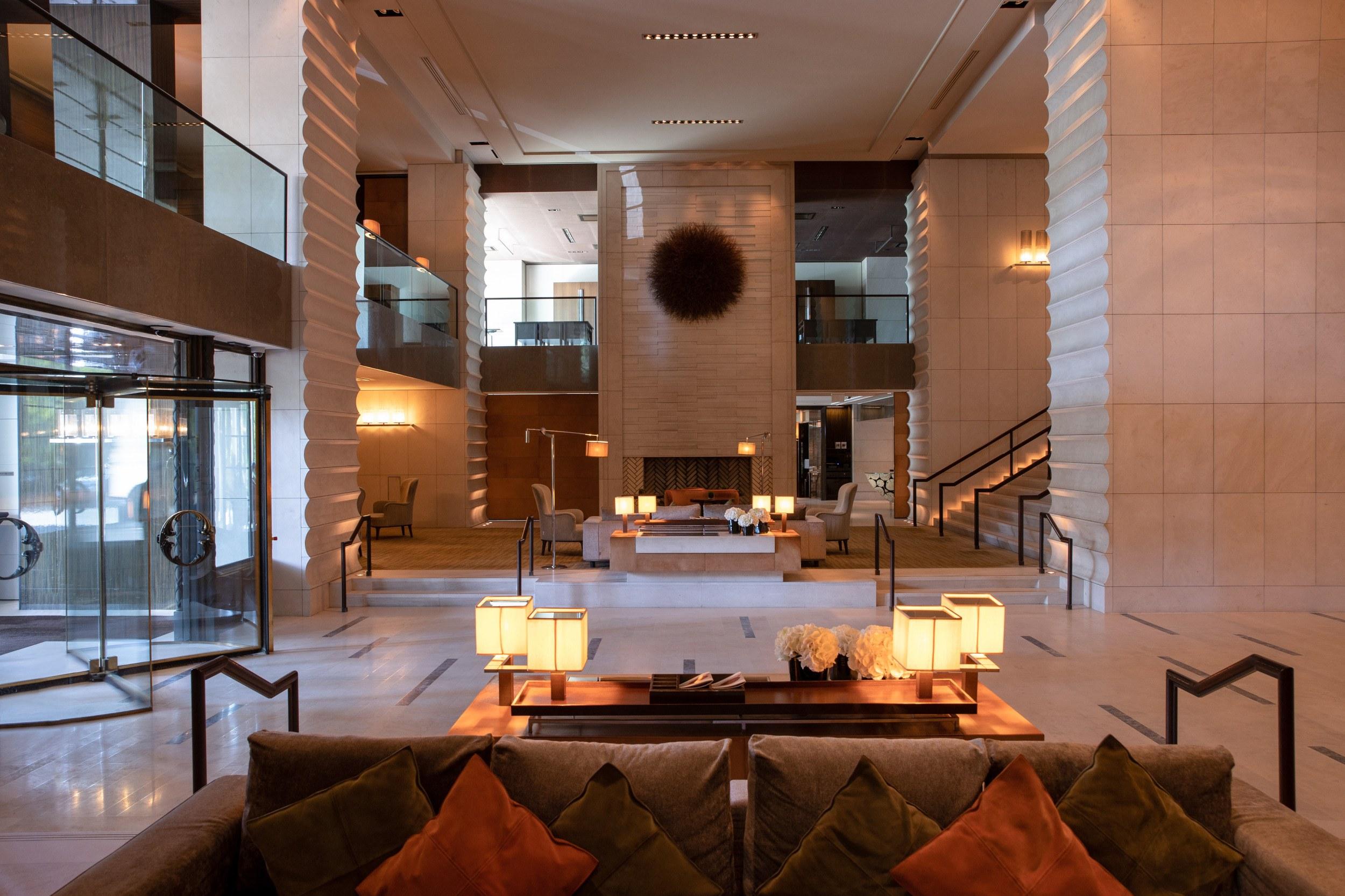 intercontinental-geneva-hotel-lobby-history