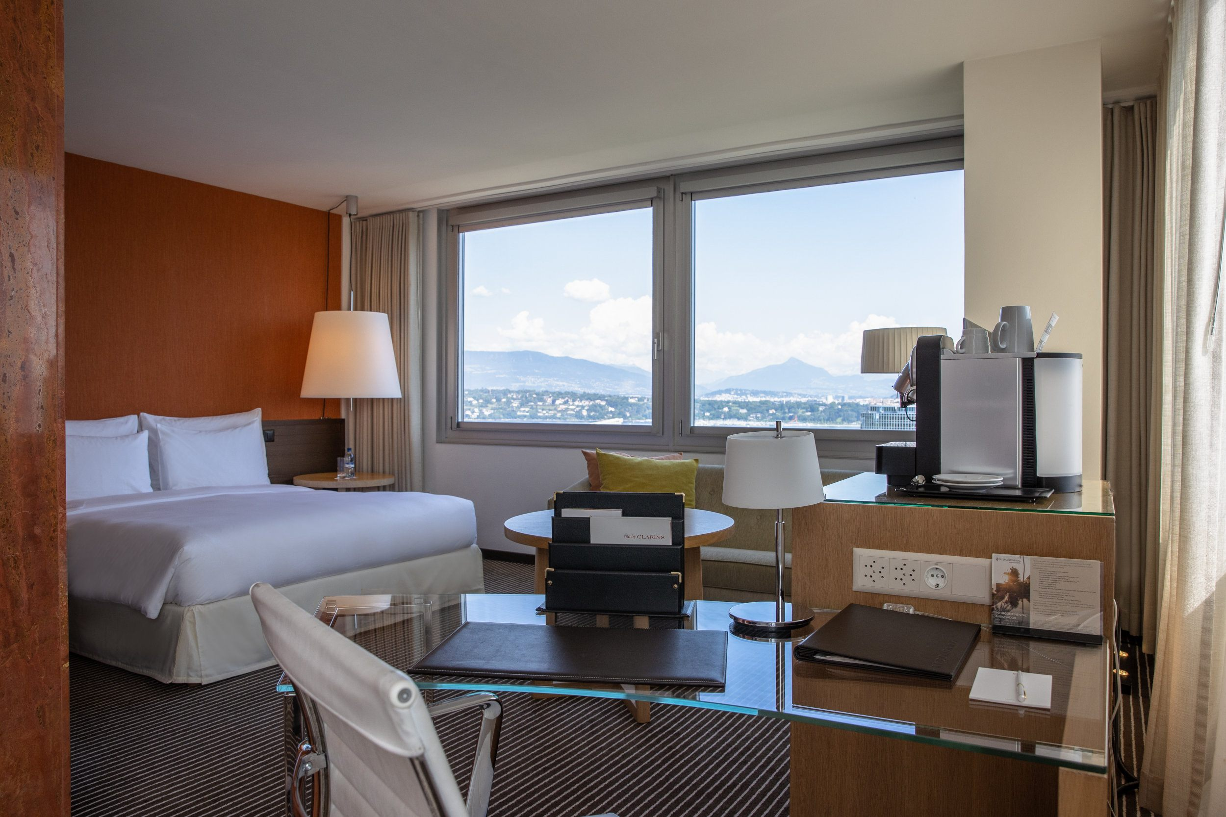 Executive Lake View Room